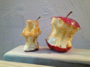 apple-139437_1280